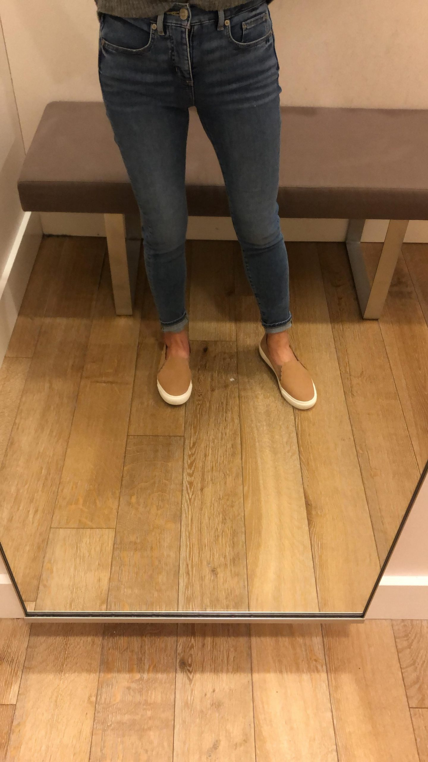 LOFT Modern Soft Skinny Crop Jeans in Pure Mid Indigo Wash, size 25/0P