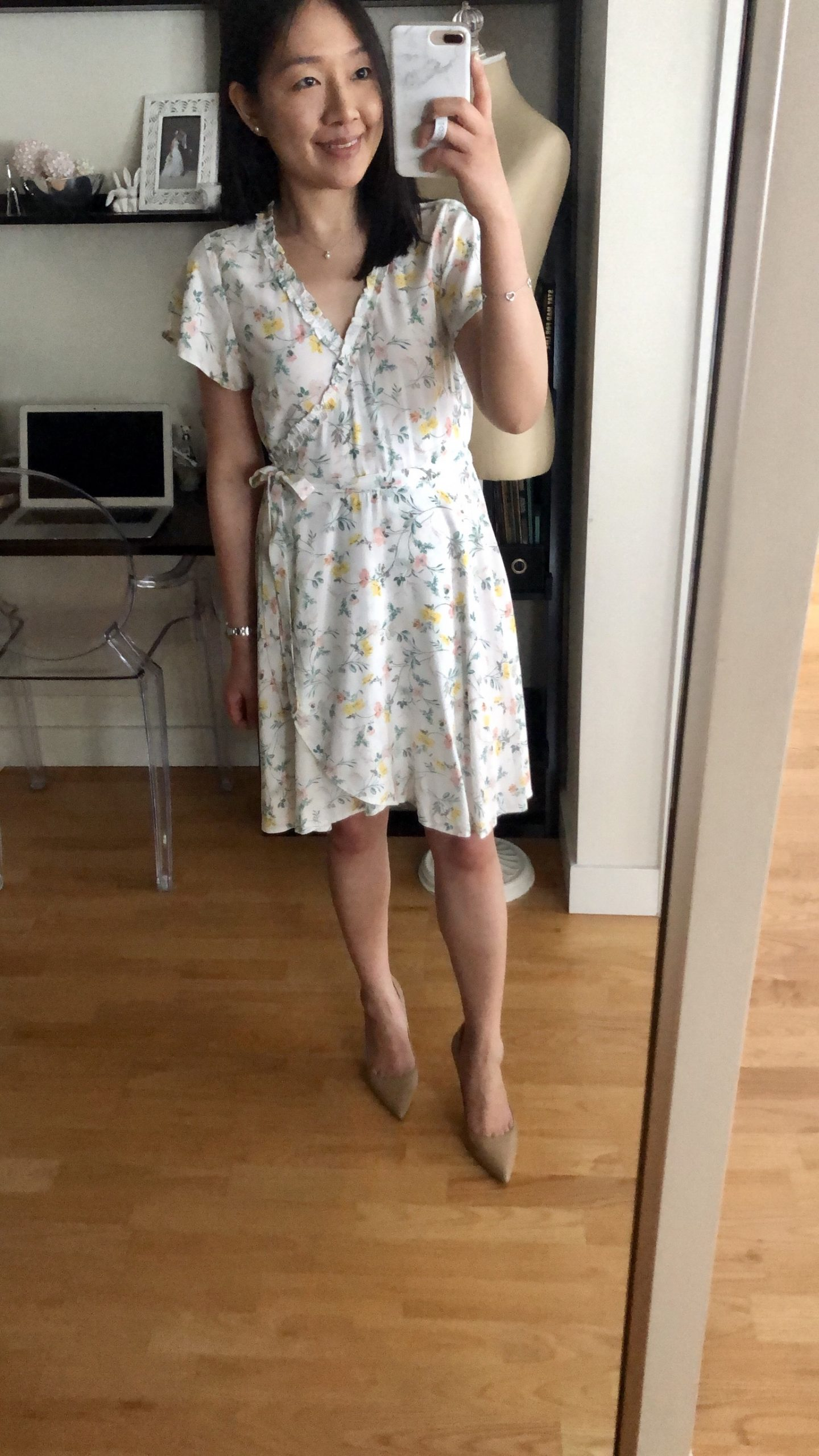LOFT Tossed Flower Flutter Wrap Dress, size 0P