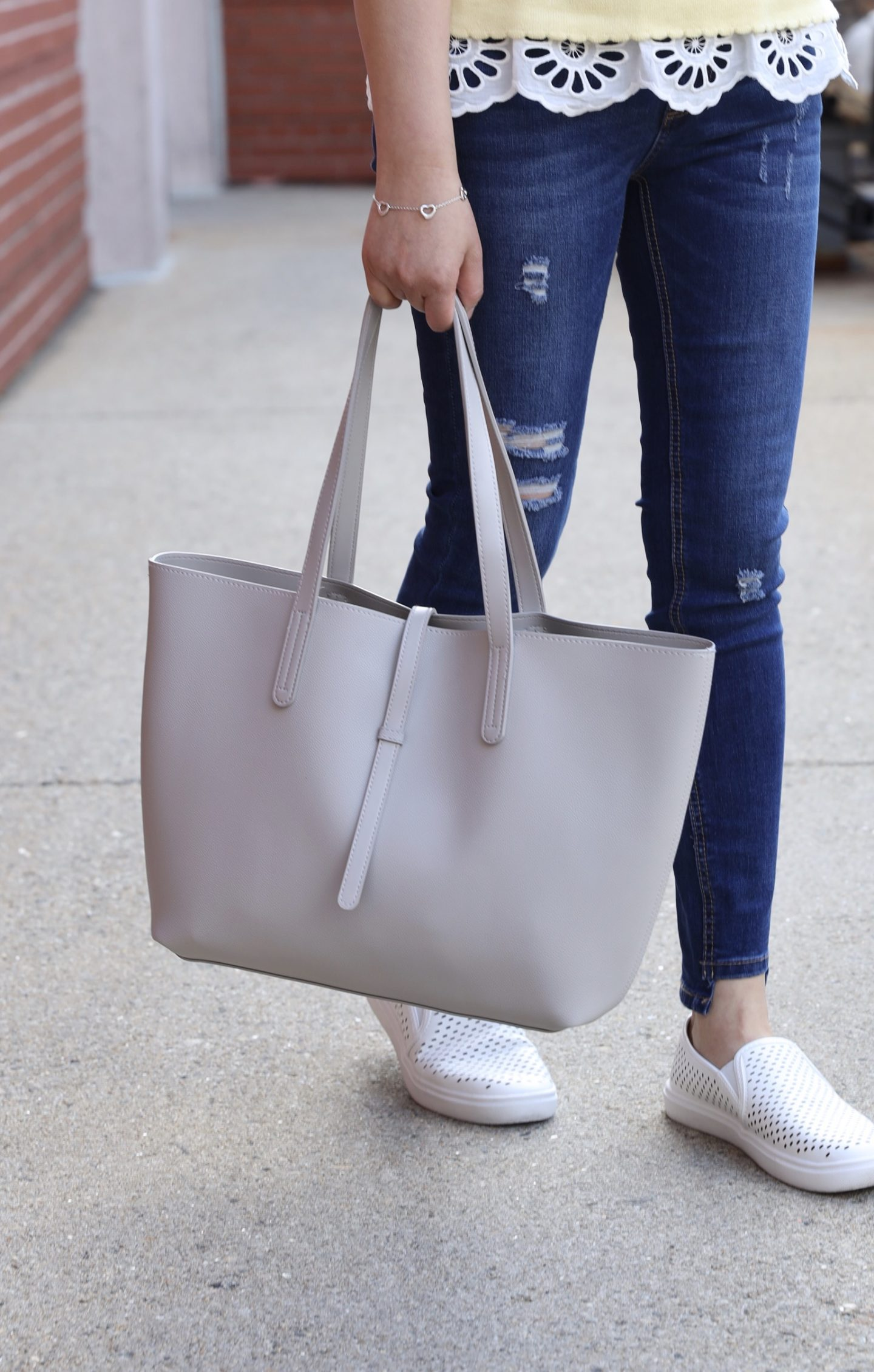 Time and Tru Leigh Tote in light grey