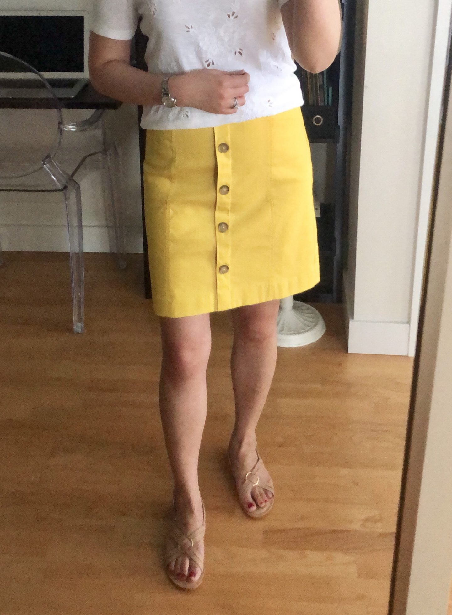 LOFT Button Shift Skirt, size 00 regular