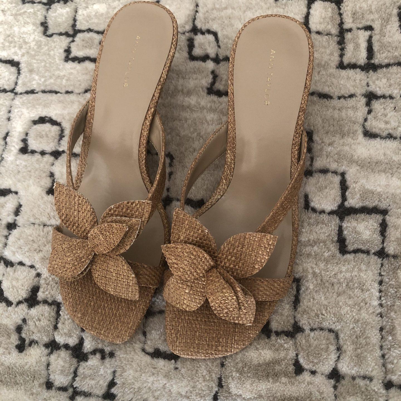 Ann Taylor Evangeline Straw Flower Sandal
