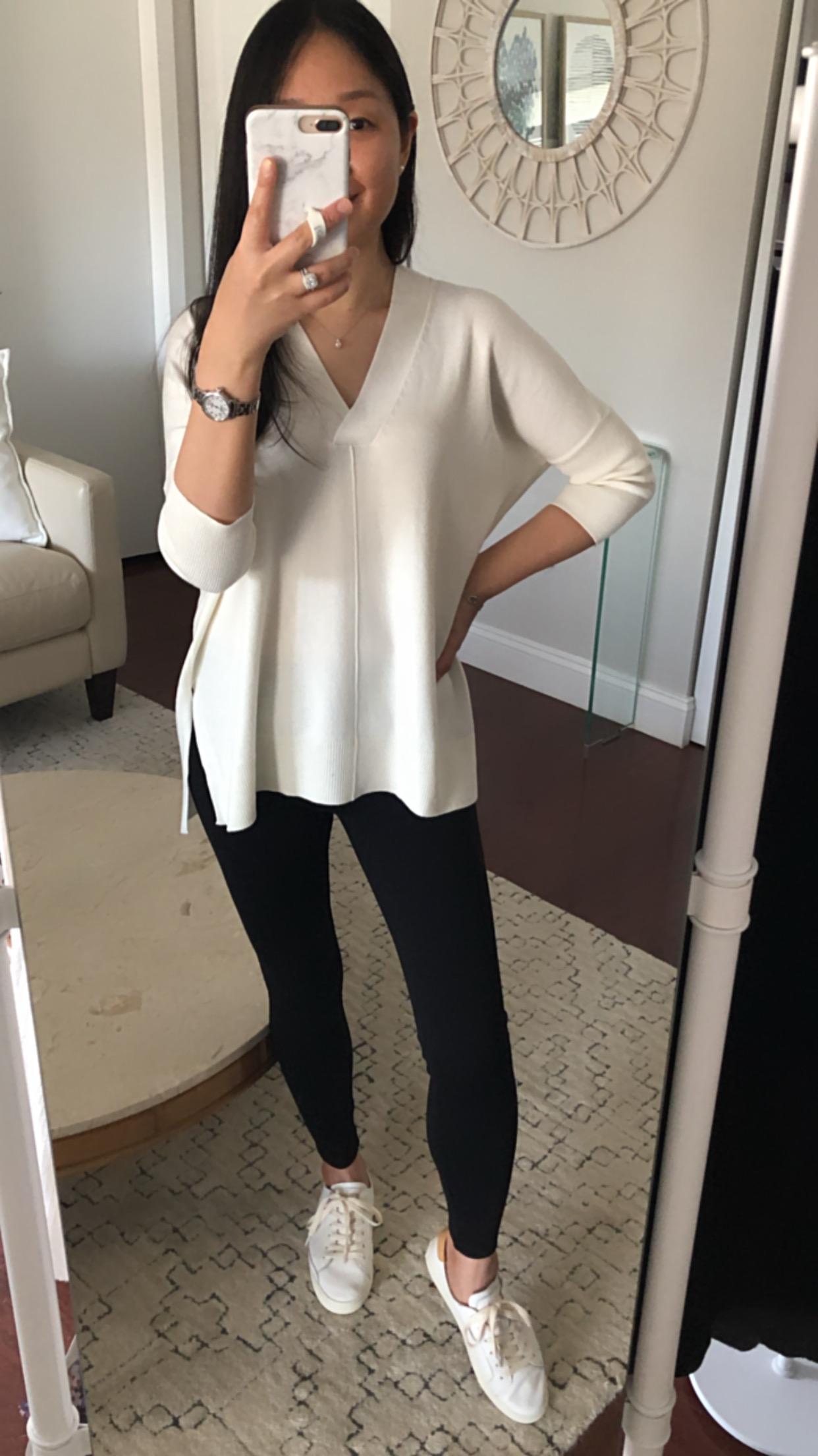 Ann Taylor Easy V-Neck Sweater, size XXS regular