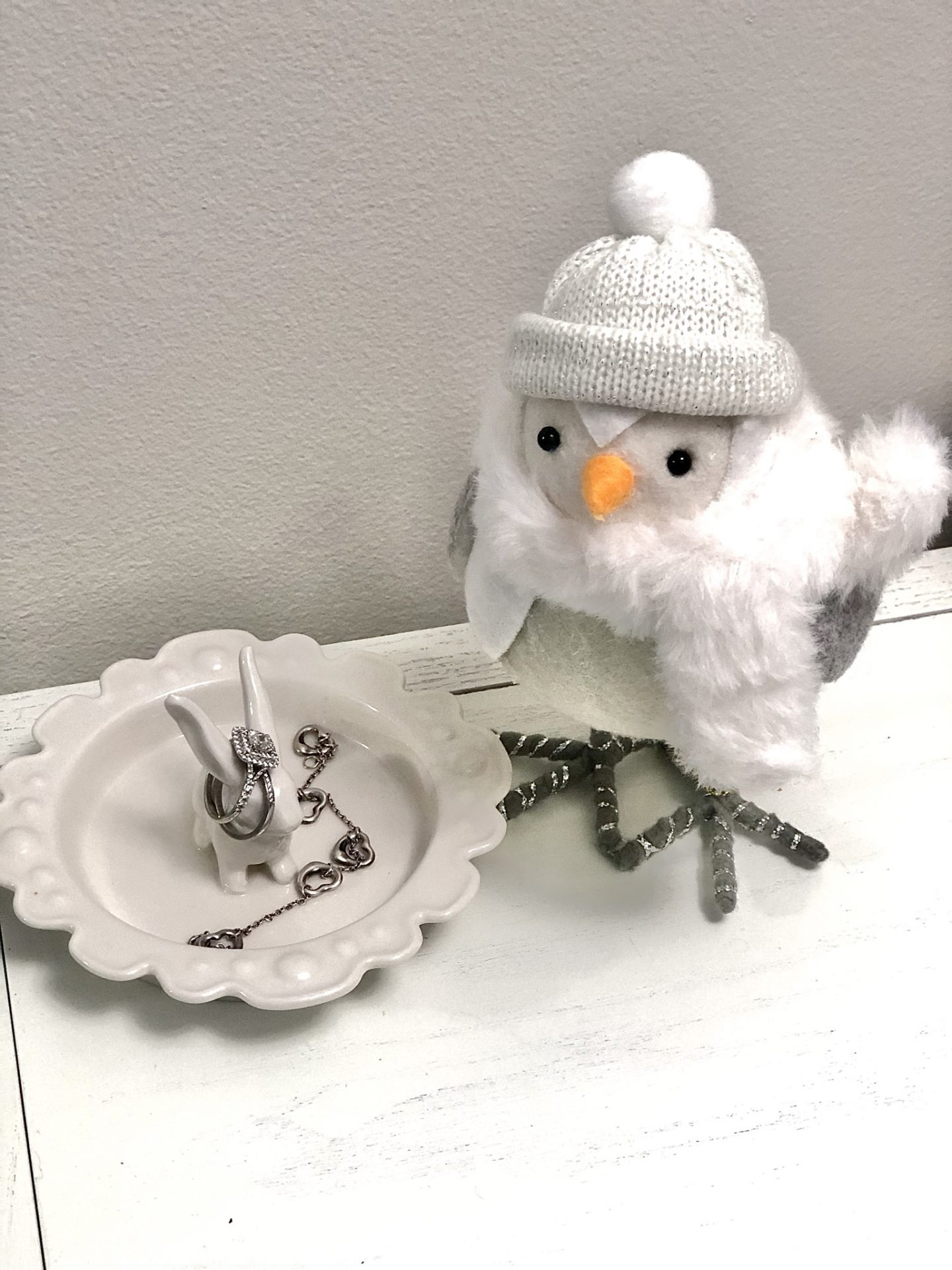 Decorative Bird With White Faur Fur Hat