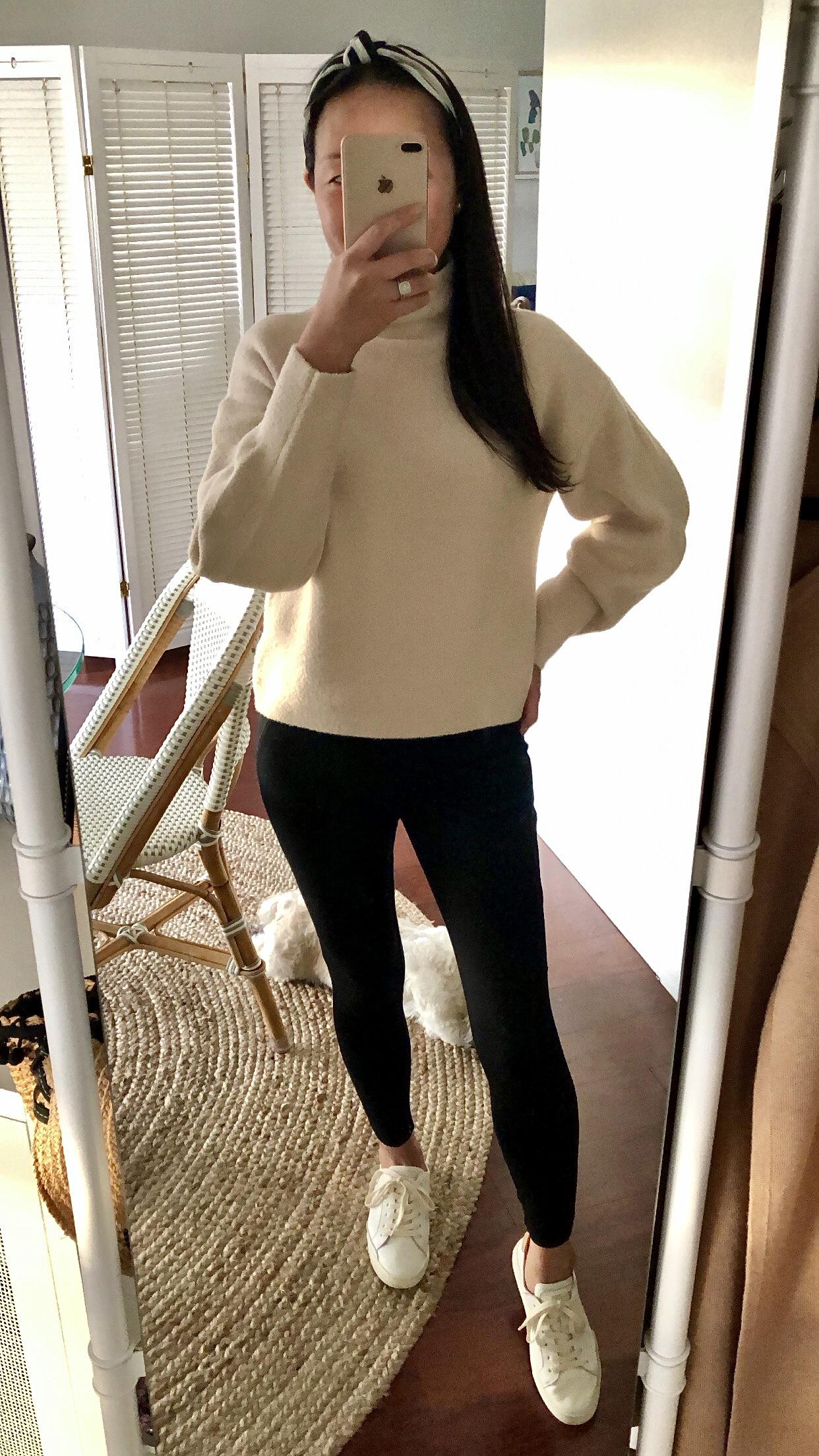 Express Cozy Mock Neck Sweater, size XXS