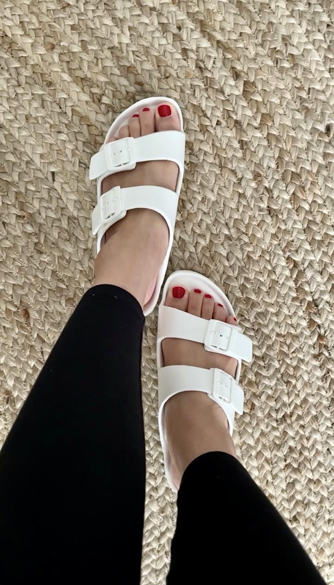Cushionaire Elane Sandals